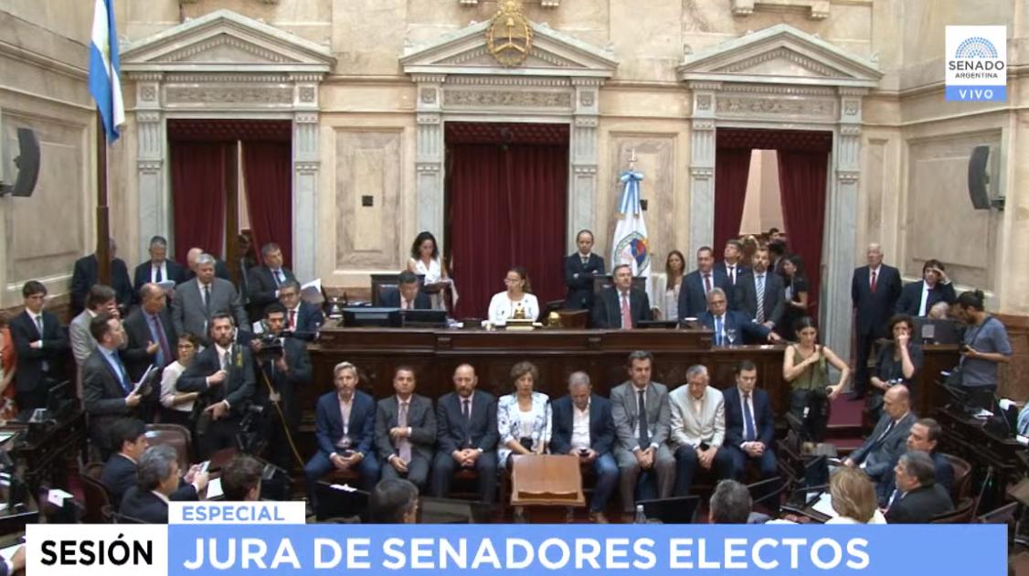 Juraron los nuevos senadores
