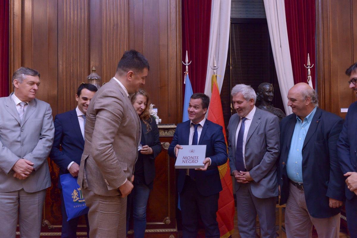 Funcionarios de Montenegro en la legislatura de la Ciudad de Bs As